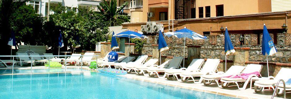 Allasalue. Hotelli Yeniacun, Alanya, Turkki.